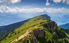 Alpes, el lago Thun, montañas, verano, nubes