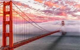 Golden-Gate-San-Francisco-USA-bridge-sea-heavy-mist_s