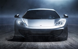 McLaren MP4-12C superdeportivo plata vista frontal