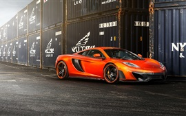 McLaren MP4-VX supercar laranja vista lateral, recipiente