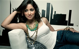 Preview wallpaper Yami Gautam 02