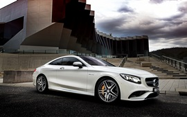 Preview wallpaper 2015 Mercedes-Benz S63 AMG white car side view