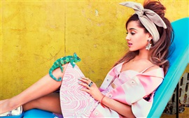 Preview wallpaper Ariana Grande 04