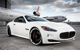 Preview wallpaper Maserati white supercar