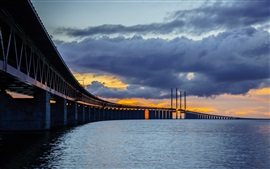 Preview wallpaper Sweden, Skane, Bunkeflostrand, Oresund Bridge, night, clouds
