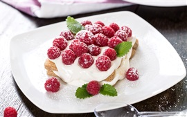 Сладкий пирог, крем, малина, красные ягоды