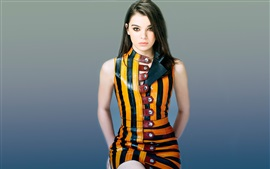 Preview wallpaper Hailee Steinfeld 02
