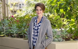 Preview wallpaper Shailene Woodley 04