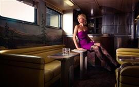 Púrpura falda, muchacha, medias, piernas, casa