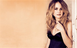 Preview wallpaper Britt Robertson 04