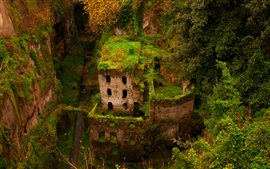 Preview wallpaper Sorrento, gorge, green house, building, ruins