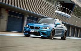 BMW M2 F87 velocidad del coche azul