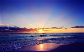 Preview wallpaper Beautiful sunset, sun, sea, waves, beach, clouds