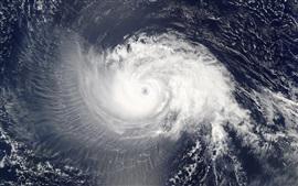 Vista de cima de furacão, atmosfera espiral, mar, água