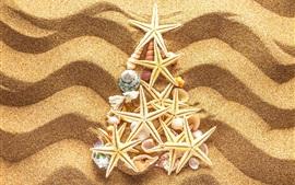 Playa, arena, conchas de mar, estrellas de mar, árbol de navidad