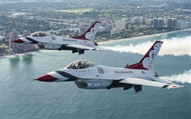 Preview wallpaper Thunderbird F-16 fighter flight in the sky