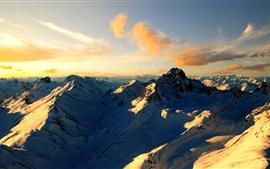 Nubes, nieve, montañas, montañas, verano, puesta del sol