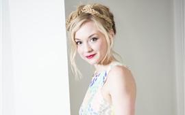 Emily Kinney 04