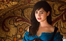 Preview wallpaper Lily Collins as a princess, Mirror Mirror