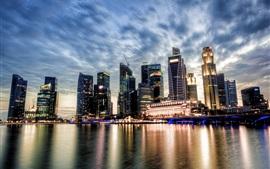 Aperçu fond d'écran Singapour, vue sur la ville, coucher de soleil, gratte-ciel, nuages, rivière, réflexion de l'eau