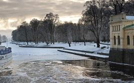 Hiver, rivière, bateaux, neige, maisons, Uppsala, Suède