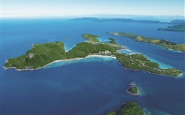 Aérea para ver Hamilton Island, mar azul, Austrália