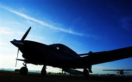 Aeronaves, crepúsculo, céu azul, aeroporto