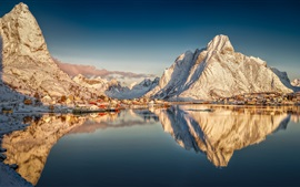 Preview wallpaper Beautiful Norway, Reine, Nordland, Lofoten archipelago, snow mountains, houses