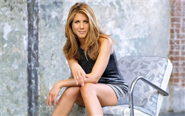 Preview wallpaper Jennifer Aniston 04