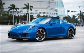 Porsche 911 Targa 4S supercar bleue vue de côté