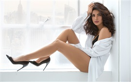 Preview wallpaper Priyanka Chopra 02