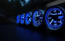 Velocímetro, velocidad, millas, luces azules