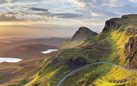 Sunrise, Quiraing, ilha de Skye, na Escócia, Reino Unido, montanhas