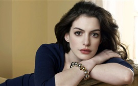 Preview wallpaper Anne Hathaway 06