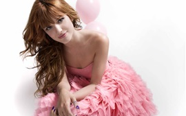 Preview wallpaper Bella Thorne 03