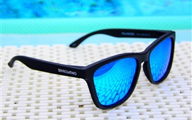 Preview wallpaper Blue sunglasses