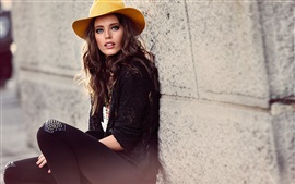 Preview wallpaper Emily Didonato 02