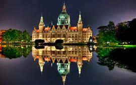 Hannover, Alemanha, noite, casa, luzes, reflexão da água