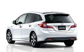 Honda Jade Гибридный автомобиль вид сзади