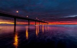 Nueva Zelanda, bahía, puente, luces, puesta del sol, cielo rojo, nubes
