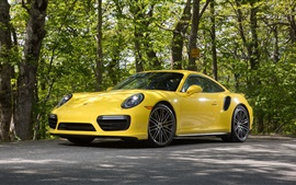 Porsche 911 Turbo Coupe supercar amarelo