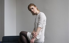 Preview wallpaper Rose Leslie 01