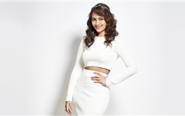 Preview wallpaper Sonakshi Sinha 02