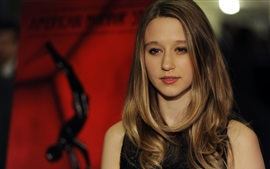 Preview wallpaper Taissa Farmiga 02
