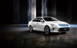 Toyota Camry 10th Anniversary white car, lights