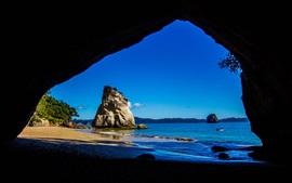Viajar para a Nova Zelândia, a partir Caves Catedral olhar para o mar