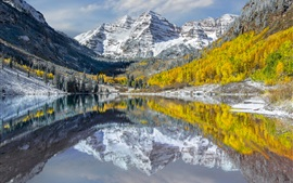 Preview wallpaper USA, Colorado, Elk Mountains, peaks, lake, snow, trees, autumn
