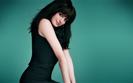 Preview wallpaper Anne Hathaway 12