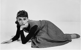 Preview wallpaper Audrey Hepburn 04