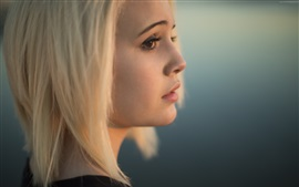 Preview wallpaper Bea Miller 02